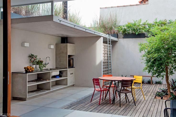 Área externa com churrasqueira e lavanderia Decorando Casas # Decoração Para Area Externa Churrasqueira
