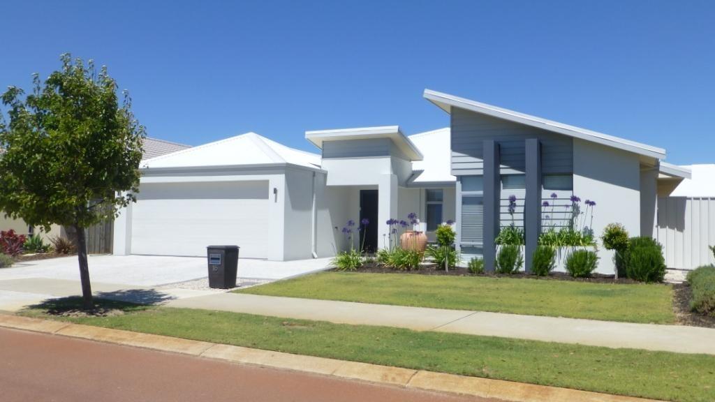 Fachadas de casas modernas com telhado colonial for Fachadas de casas elegantes modernas
