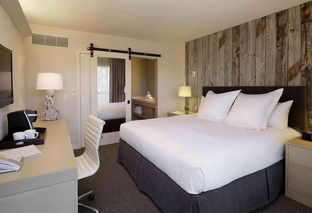 Decoração do quarto de casal em apartamento pequeno  ~ Quarto Planejada Para Apartamento