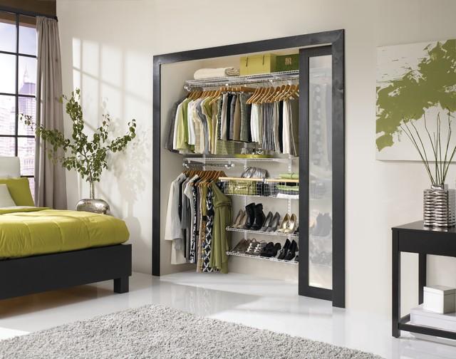 Closets pequenos e modernos