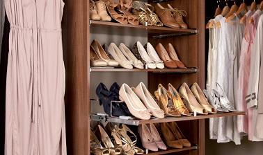 Como organizar sapatos dentro do guarda-roupa