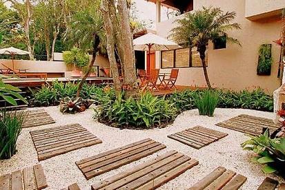 como-fazer-um-jardim-no-quintal-cimentado