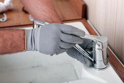 Como trocar uma torneira