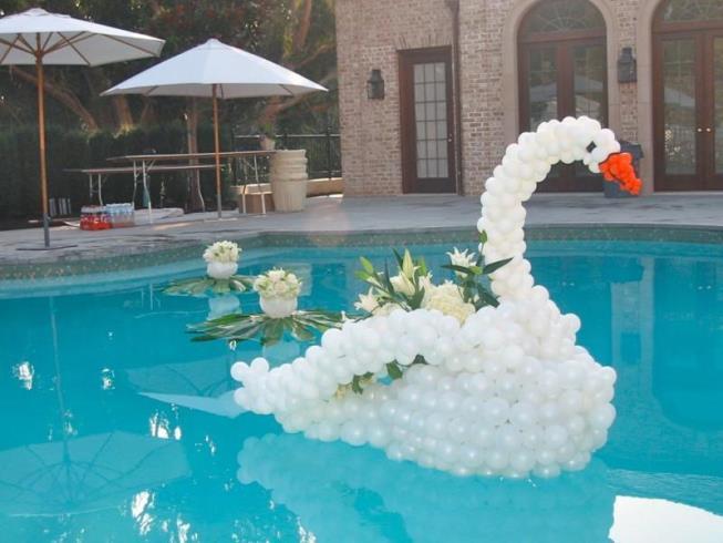 Decoração-de-ano-novo-para-piscina