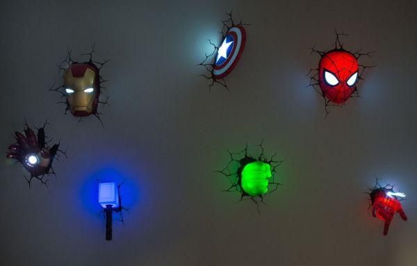 Luminárias 3D de super-heróis