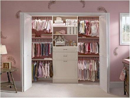 Closets pequenos com portas