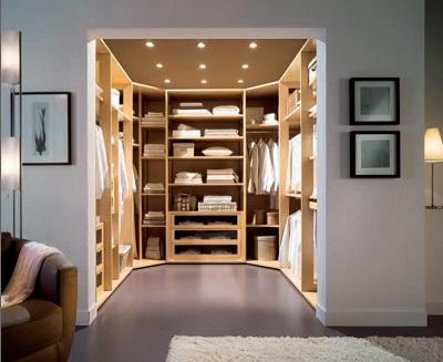 Closets pequenos e planejados em u