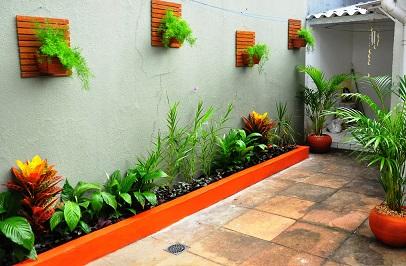 Jardins de casas simples e pequenas