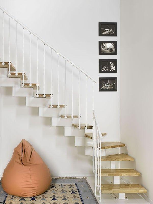 Escadas internas que ocupam pouco espaço