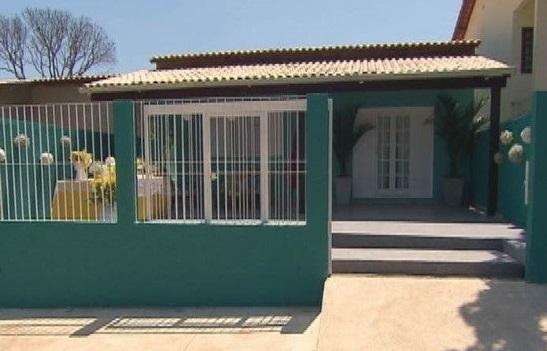 Fachadas de casas populares com portão