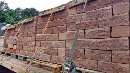 Muro de pedra gres