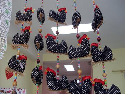 Decoração-de-cozinha-com-galinha-da-Angola