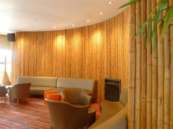 Decoração de sala com bambu