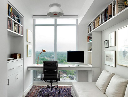 Home-office-pequeno-e-planejado