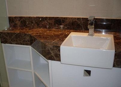 Bancada de banheiro em granito