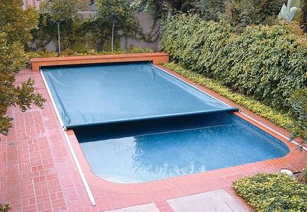 Capa-de-proteção-para-piscina