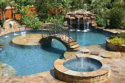 Piscina residencial com ilha decorando casas for Pool kings design