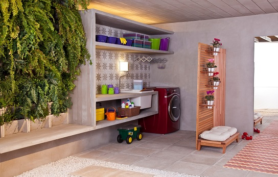 Área de serviço externa com lavanderia