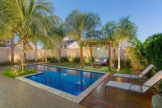 Piscina residencial moderna decorando casas for Casa moderna piscina