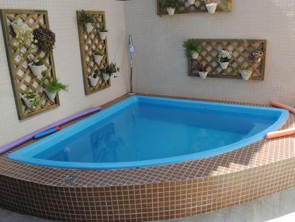 Piscinas pequenas de canto decorando casas - Decoracion piscinas pequenas ...