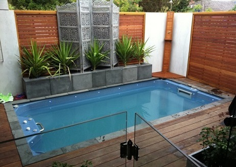 Piscinas pequenas para espa os pequenos decorando casas Fotos piscinas para espacios pequenos